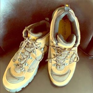 Men's Columbia hiking boot